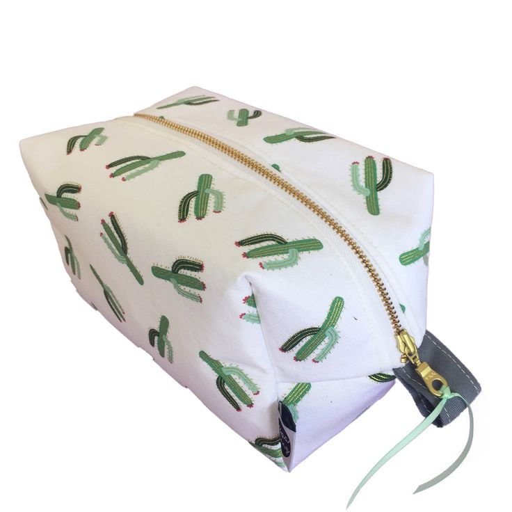 Large toiletry bag, cactus print, waterproof makeup case, cosmetic case, makeup storage, travel case, zip travel pouch, bags, accessories by PeppaPennyPurses on Etsy https://www.etsy.com/listing/488894265/large-toiletry-bag-cactus-print