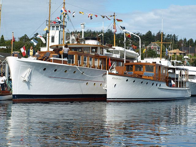 antique motoryachts | Classic Motor Yachts, Olympus and Arequipa | Flickr - Photo Sharing!