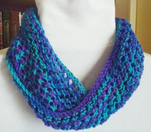 Moebius Knitting Patterns Free : 18 Best images about Moebius, Wraps, Shawls on Pinterest Knitting daily, Fr...