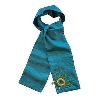This soft 100% silk scarf is the perfect accessory for your wardrobe. Adorned with our bold, beautiful Peacock design, handcrafted in the softest 100% parachute silk, it comes in a range of rich, dramatic colours.