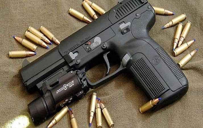Cosa significa sognare armi diverse:pistole coltelli spade ecc. Le armi nei sogni si presentano con forme diverse e vengono usate in modi diversi: per aggredire e p interpretazione sogni sognare armi