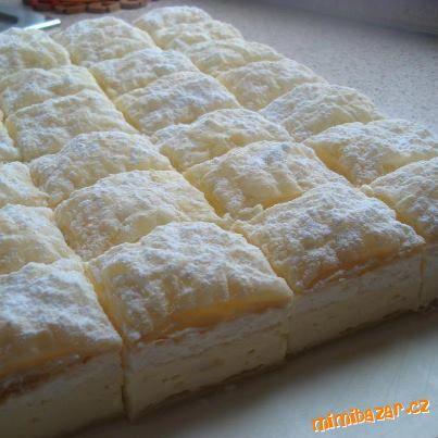 Potom vyšleháme 125g hery a 125g másla a postupně přidáváme vychladlý pudink a ještě přidáme 2 PL ru...