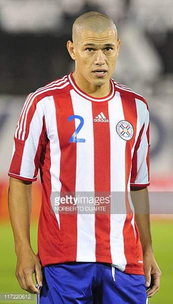 Paraguay's national football team player Dario Veron before their friendly match against Chile in Asuncion on June 23 2011 AFP PHOTO Norberto Duarte