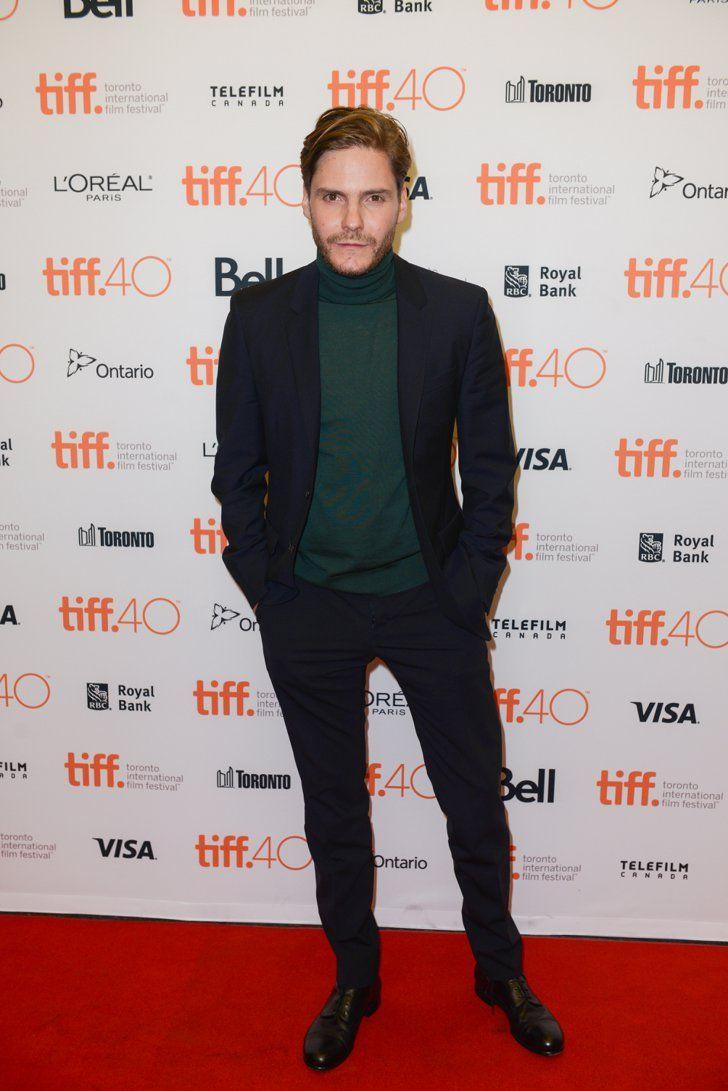 Pin for Later: Sorry New York – glamouröse Kleider gibt's auch in Toronto! Daniel Brühl
