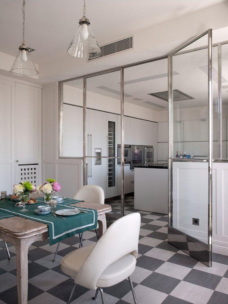 Glass-enclosed kitchen, Isabel Lopez Quesada