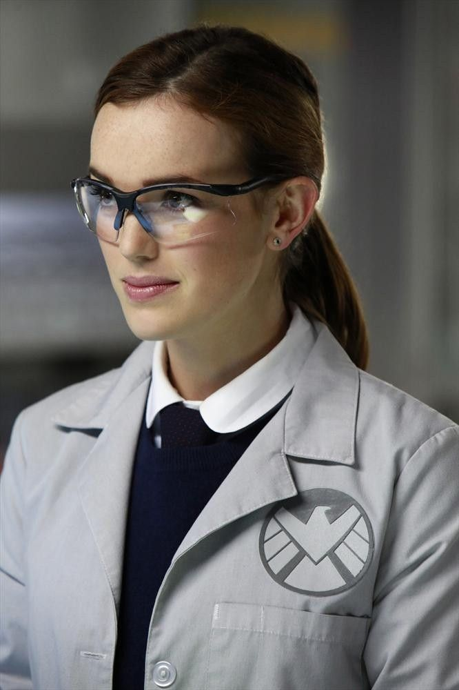 Elizabeth Henstridge as Jemma Simmons in Marvel's Agents of S.H.I.E.L.D, the most adorable nerd in television and all-around inspirational girl