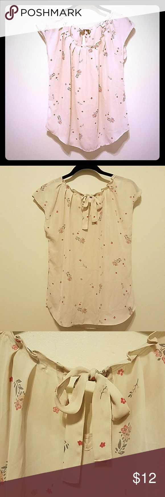 Floral bow back top LC Lauren Conrad Feminine Floral and Flirty! Very cute tie at the back- pale pink with gray/dark pink floral pattern - EUC LC Lauren Conrad Tops