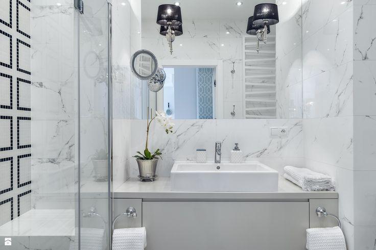 Łazienka - zdjęcie od D-ZONE Beata Bielawska - Łazienka - D-ZONE Beata Bielawska small | bathroom | luxury | white | ideas
