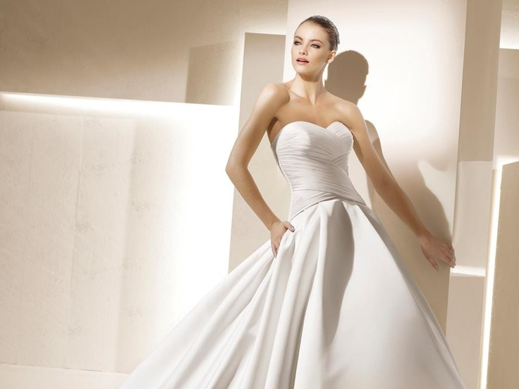 Browse Through Exclusive Designer Wedding Dresses Prom Mothers Gowns