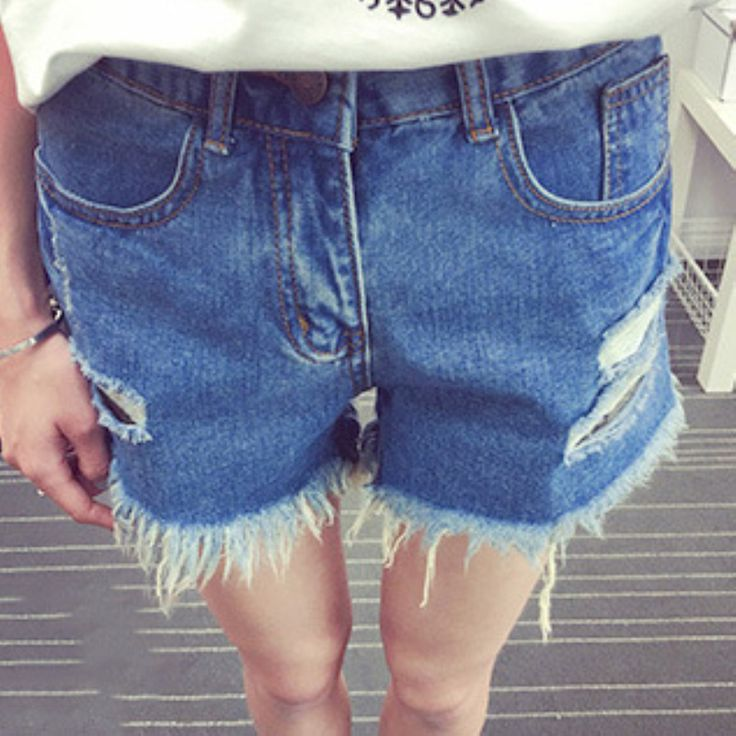 Find More Jeans Information about 2016 Summer Style Women's Fashion Vintage Tassel  Ripped Loose High Waisted Short Jeans Punk Sexy Hot Woman Denim Shorts,High Quality jean shorts womens,China jeans women shorts Suppliers, Cheap shorts large from Comme t'y es belle! on Aliexpress.com