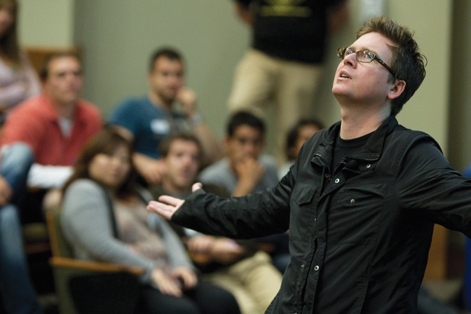Twitter Co-Founder Biz Stone Welcomes New Students to Haas.