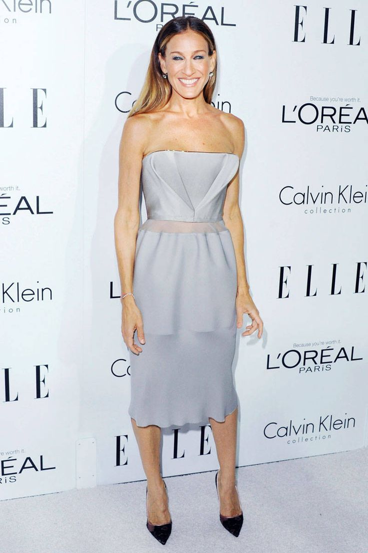 SJP at 9th Annual ELLE Women in Hollywood Celebration in a strapless gray cocktail dress by Calvin Klein Collection and Manolo Blahnik pumps.