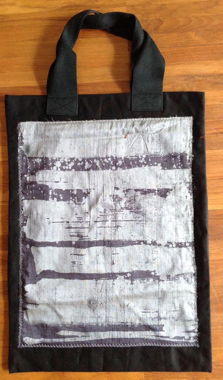 borsa con inserto batik su seta shantung