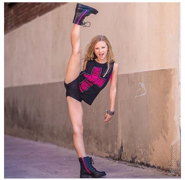 Autumn Miller from Mather Dance Company. Photo by David Hoffman aka 'Sharkcookie'