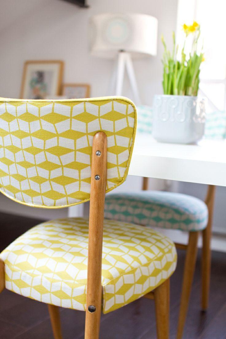 chaise vintage, chaise jaune, tissu jaune graphique, chaise mademoiselle dimanche, Mathilde Alexandre, interview carnet d'intérieur ♥ #epinglercpartager