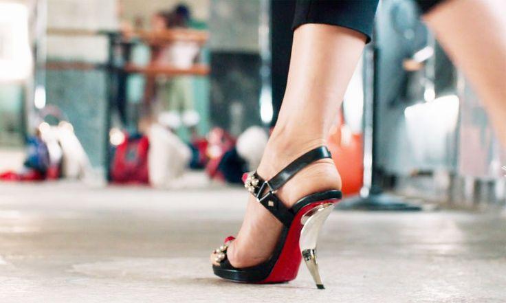 Christian Louboutin, scarpe autunno inverno 2016 2017, tutte le foto e i prezzi della intera collezione. Scarpe di pregio, con l'immancabile suola rossa.
