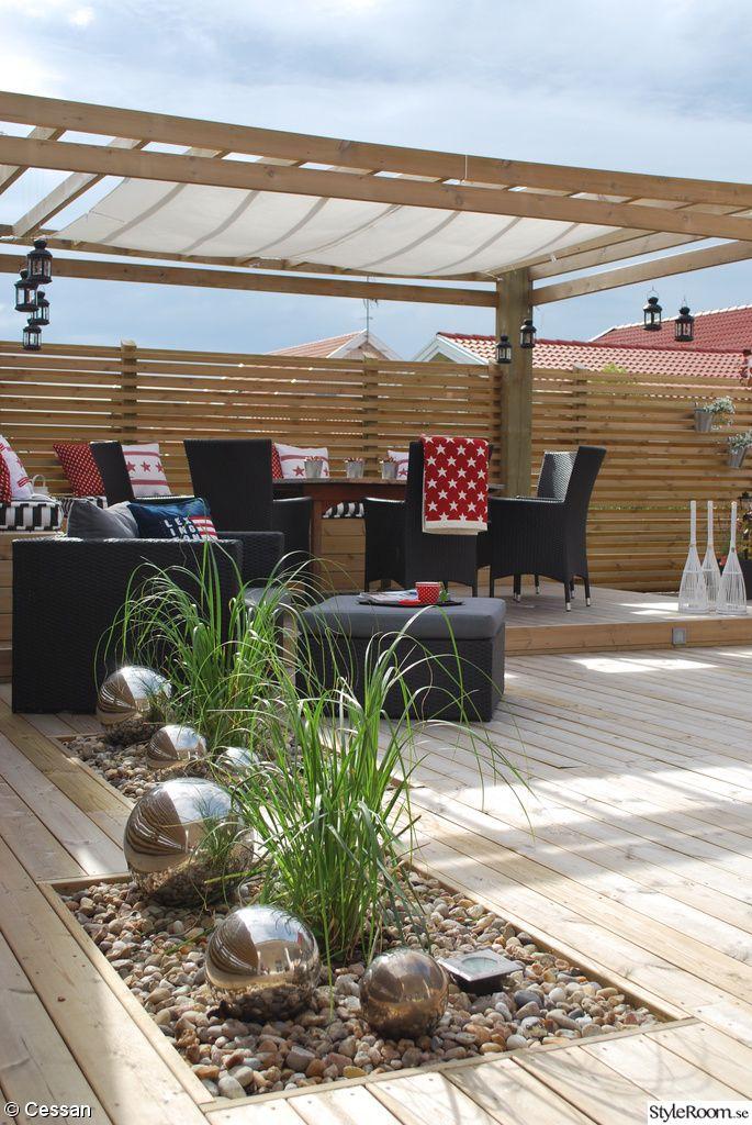 Altan,trädäck,pergola,sittbänk,solsegel,pampagräs,silverklot ...