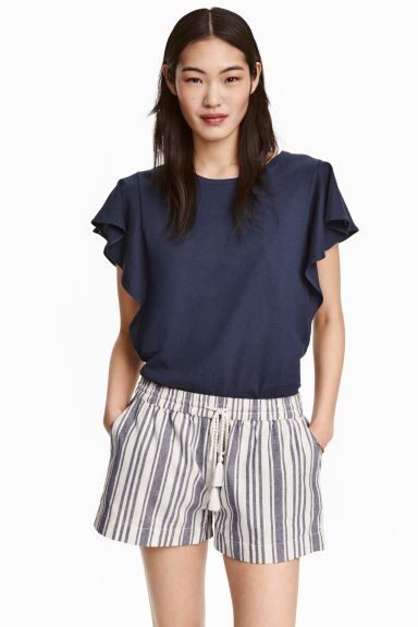 10 Top with frilled sleeves | H&M