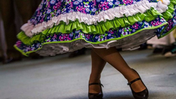 Huasa chilena, Vestidos de china!