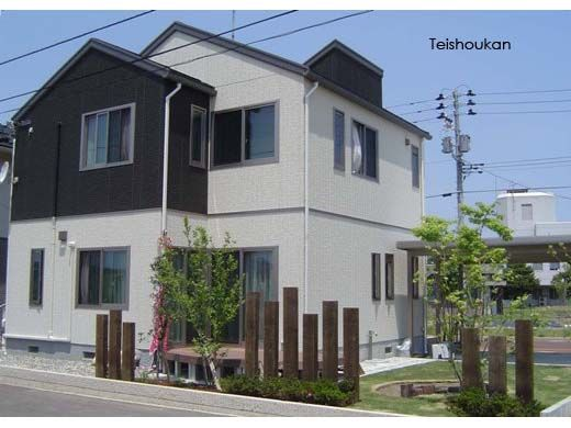 木の風合いを楽しむ目隠し:長岡市K様邸 - 新潟、長岡、上越|エクステリア工房庭匠館|外構・庭工事