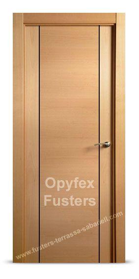 Puerta de madera para interior maciza modelo Barcelona. Precio: 315€ Incluye puerta, marcos, herrajes color inox, instalación ajuste y retirada de la puerta antigua.