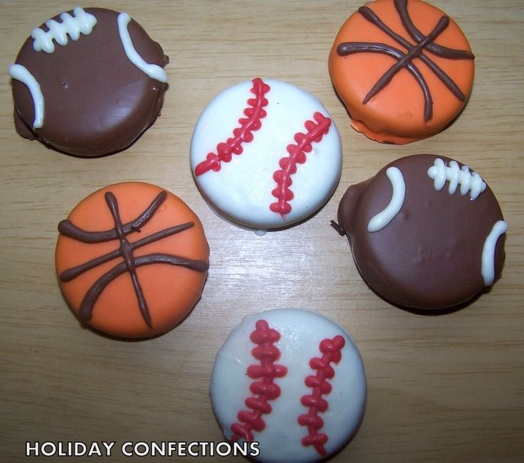 Sports Oreos - Chocolate Covered Oreo Cookies - Oreo Cookies In Chocolate - Chocolate Favors - Baseball, football, basket ball favors by HolidayConfections on Etsy https://www.etsy.com/listing/168860544/sports-oreos-chocolate-covered-oreo