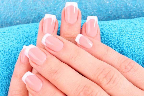 Lindas e Vaidosas.: Cuidados com as unhas feitas em casa *-*