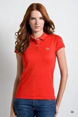 Il s'agit d'un T-shirt Lacoste femmes de haute qualité made in France! Cotons 100% montre naturel, sain et confortable. Cet article Polo avec la couleur pourpre est non seulement approprié pour des modèles d'affaires mais aussi les loisirs. ?lément de base, les changements les plus en vogue!