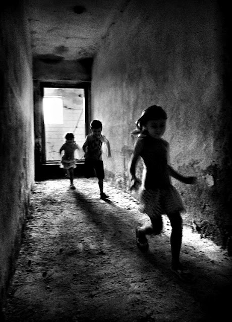 Remus TipleaPhotos, Children Plays, Astounding Photography, B W, Black Whit, Ballet Photography, Lights And Shadows Photography, Remus Tiplea, Blackwhite Photography