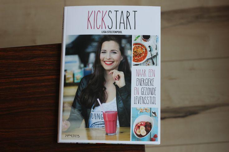 Kickstart is het nieuwe boek van Lisa Steltenpool. Het bevat alle tips voor een gezond en energiek leven. Geen crash diëten, geen adviezen waar je niets mee kan. Gewoon fijne tips en recepten.