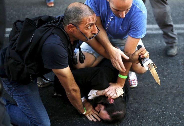 Egy ortodox zsidó merénylőt hatástalanítanak, miután megszúrt 6 résztvevőt az éves meleg-büszkeség felvonuláson Jeruzsálemben.