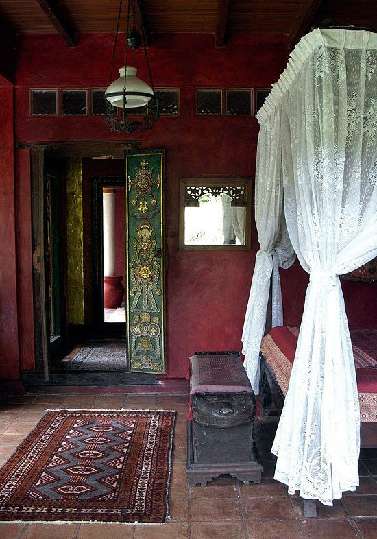 Bedroom Decorating Ideas: From Arty to Exotic - Traditional Home®