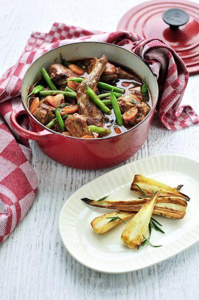 Préparez un(e) délicieux(se) navarin de lapin, panais grillés et romarin avec cette recette et régalez vos convives. Bon appétit!