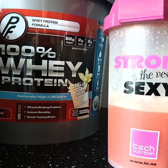 #pf #protein #pink #strongisthenewsexy #breakfast #preworkout #back #wellfitness #mum #illgetthere #reachforthestars #gym #fitness #technutrition #tn #whey