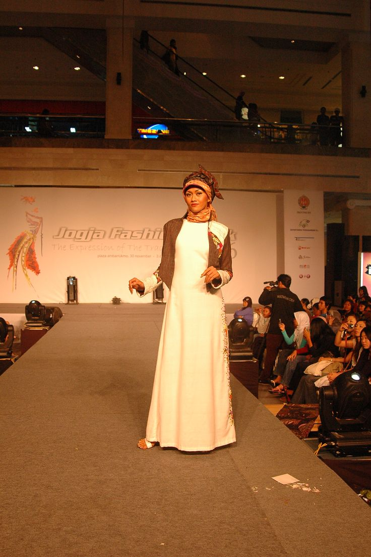 Ethnic muslimah fashion by Astrid Ediati