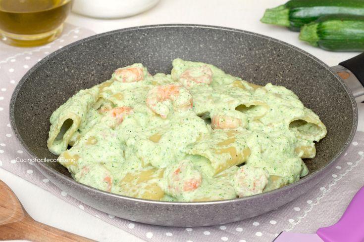 Paccheri con crema di zucchine e gamberetti