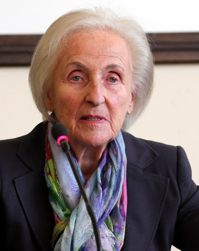 Johanna Quandt, Billionaire Matriarch of BMW Clan, Dies at 89 - Forbes