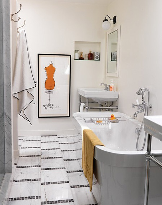 Charmant White U0026 Tangerine Bathroom // Photographer Stacey Brandford // House U0026 Home  June 2010 Issue .Like Graphic Design (including Floor Ceramics, Frame And  Bath ...