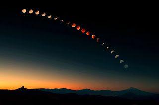 """Bu takvimde genel olarak tüm yılın burç geçişlerini bulacaksınız. Bu dönemlere ait detaylı bilgileri aylık takvimlerde görmeye devam edeceksiniz. Detaylı aylık takvimlere """"Ay Takvimi"""" menüsünden ulaşabileceğiniz gibi BURAYA TIKLAYARAK da ulaşabilirsiniz. 2017 Yeni Ay ve Dolunay takvimlerine yine """"Ay Takvimi"""" menüsünden, aşağıdaki YENİ AY ve DOLUNAY bağlantılarından ya da BURADAN ulaşabilirsiniz. 31 Aralık 2016 04.28 …"""
