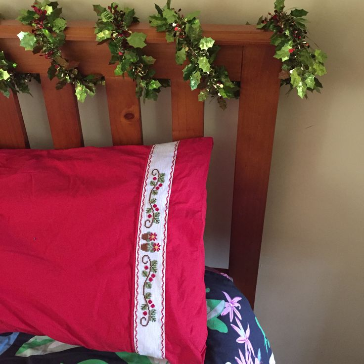 poinsettia pillowcase for mum 2017