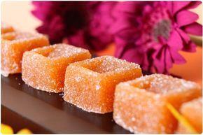 PATE DE FRUITS A L'ABRICOT (320 g de sucre,  70 g de Vitpris, 375 g d'abricots dénoyautés, 30 g de sucre pour l'enrobage)