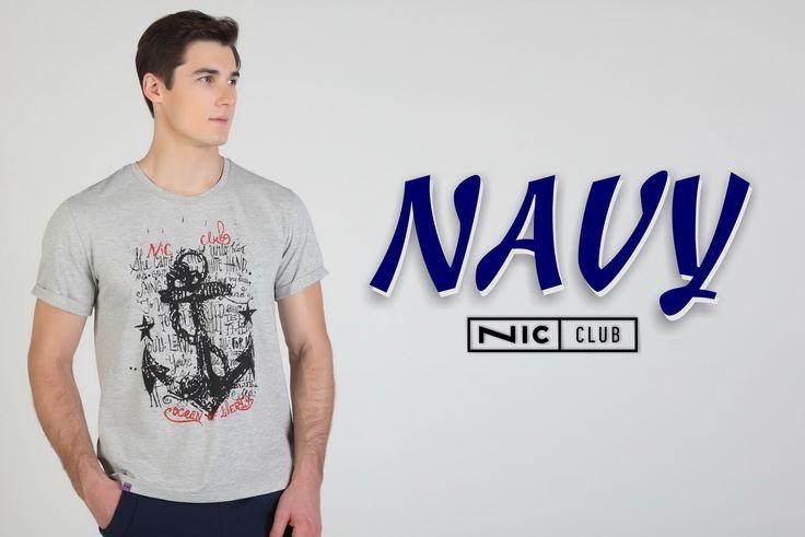 Мужские футболки Nic Club выполнены из чистого хлопка или высококачественного хлопчатобумажного трикотажа. Принты нанесены по особой технологии — они не трескаются и не выцветают. Купить футболки оптом вы можете, перейдя по ссылке в этом пине.
