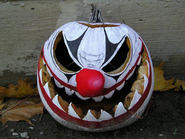 17 best images about halloween clowns on pinterest for Creepy clown pumpkin stencil