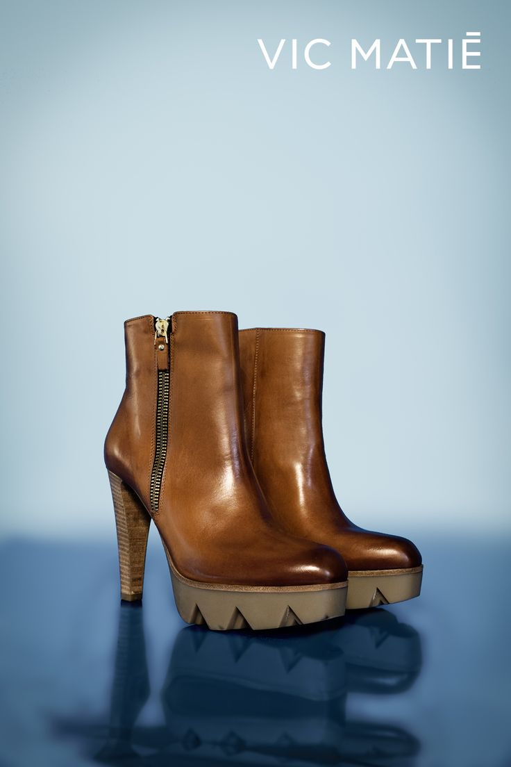 VIC MATIE'   Heels comfort