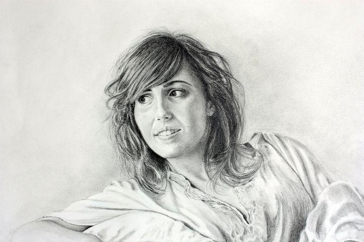 Commissioned  handmade portrait drawing in pencil (graphite) de DivineDistraction en Etsy