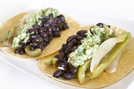 black bean tacos: Tacos Recipes, Soft Tacos, Black Beans Fajitas Tacos, Food Ideas, Avocado Fajitas, Black Bean Tacos, Tacos Food, Green Belle Peppers, Black Beans Tacos