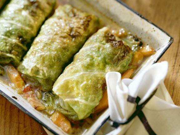 Klassische Krautwickel ist ein Rezept mit frischen Zutaten aus der Kategorie Gemüse. Probieren Sie dieses und weitere Rezepte von EAT SMARTER!