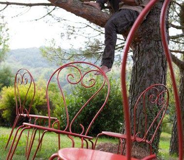 salon-de-jardin-en-fer-rouille-repeint-avec-peinture-fer- Décoration Maison Idées Déco et Couleur Peinture par Pièce |Déco-Cool