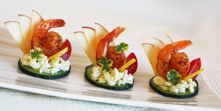 Spicy shrimp canapes with herb cream cheese apples with for Canape garnishes