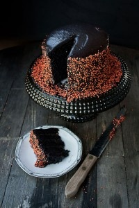 Black velvet cake.: Layered Cakes, Halloween Parties, Velvet Layered, Chocolates Marshmallows, Layer Cakes, Cakes Recipes, Black Velvet Cakes, Halloween Cakes, Red Velvet Cakes
